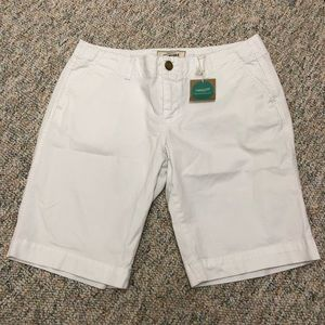 Old Navy Shorts - Old Navy Perfect Bermudas White Low-Rise Size 8